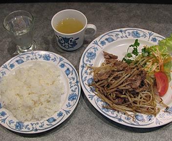 ESPANOL KURO/クロ/豚肉ともやしのペッパーソテー