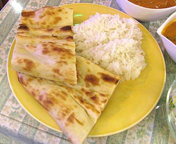Maharaja/マハラジャ 高田馬場店/ランチメニュー Bセット(カレー2種類/チキンカレーと野菜カレー)
