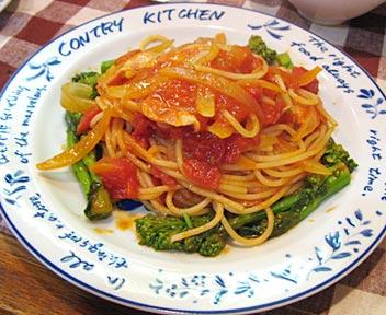菜花入りトマトソーススパゲッティ