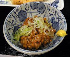 Cafe & Bar RAINBOW CHASER/レインボー・チェイサー/鮭のムニエル+納豆