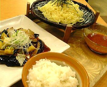茄子のにんにく醤油炒めと冷やし胡麻つけ麺