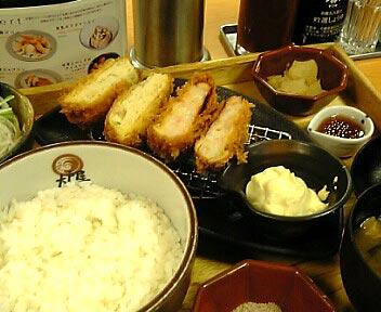 天然えびのカツと豆腐コロッケ定食