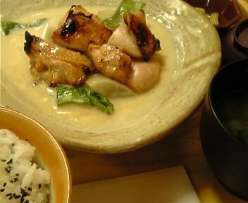 炭火焼き鶏と野菜の豆乳クリーム煮定食
